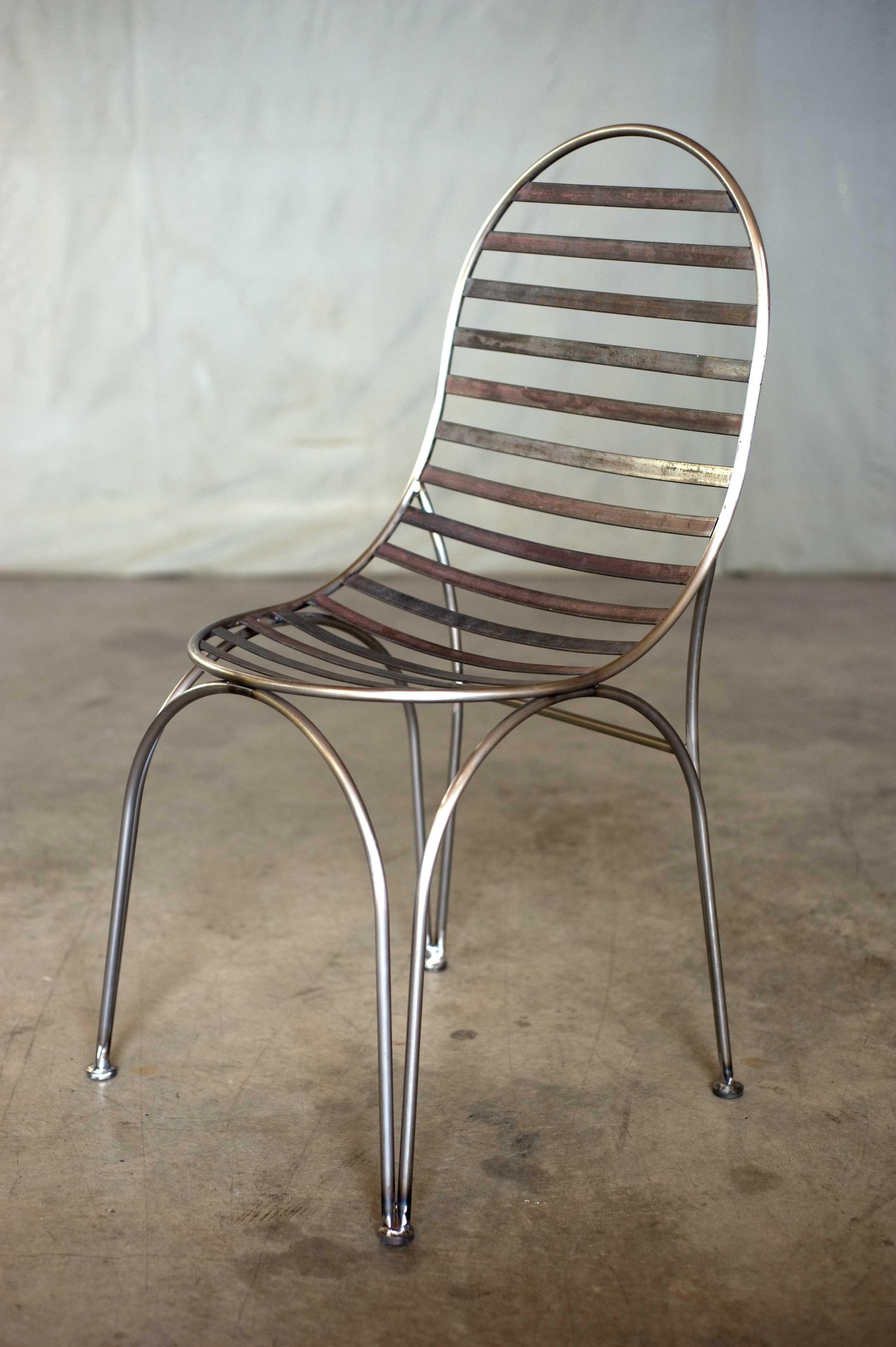 chaise strip