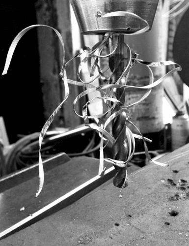 Foret métal avec copeaux